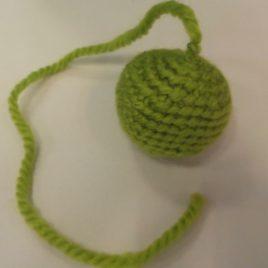 Bola verde con cola