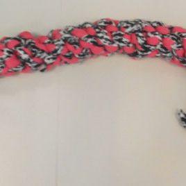 Mordedor rosa-branco-negro
